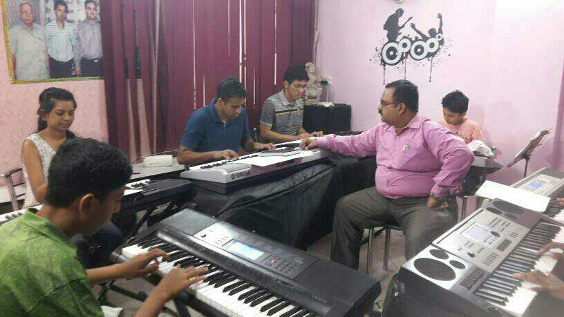 Piano Classes in South and West Delhi  Learn Piano and All other Musical Instruments from Basic to Expert Level with Exam and professional training. call for Demo 9810678266 Passion Music Academy - by Passion Music & Dance Academy, Delhi