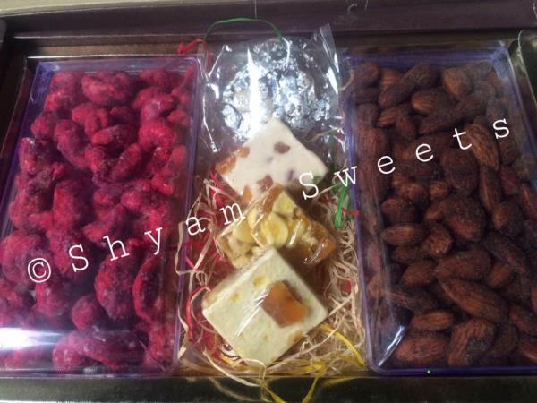 Dry fruits in delhi