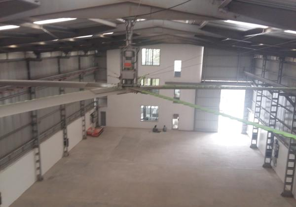 MGTech installed HVLS Fan 24feet dia in a workshop in GIDC vatva Ahmedabad. 80' x 60' area needed only 1 Fan - by MGTech, Ahmedabad