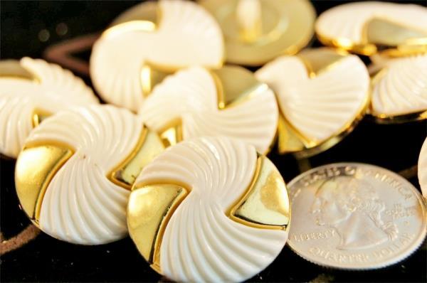 Designer  Buttons in Faridabad   - by Bharat International Traders, Faridabad