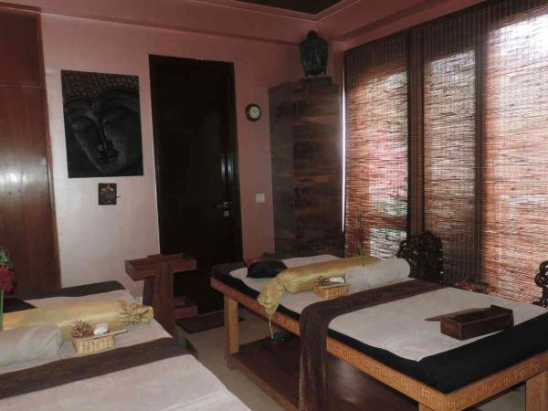 nirvana spa n wellness centre offers a couple spa package which starts at RS 3000, experience the magic of togetherness in our serene , calm couple rooms - by Nirvana Spa 'n' Wellness # 9873507095, New Delhi