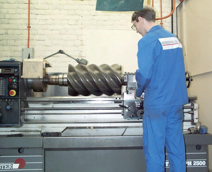 Atlas copco Air End Element Service  Atlas copco Screw Compressor Air End Recondition Repair Service End Cover Recondition work Screw Element Balanceing All Type of machineing works Skilled and Experience Engineers in Chennai Tamil Nadu Ind - by Screw Compressor Spares Service S R Pneumatic +91. 9840159740, Chennai