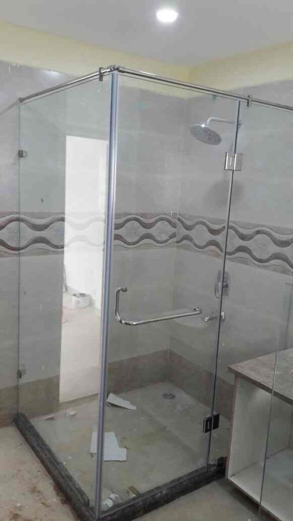 Glass Shawer cubical Fine finish •Enhanced durability •Minimum maintenance good quality tuff glass and hardware   Use to   •Hotels •Homes •Guest houses •Resorts