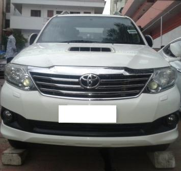 TOYOTA FORTUNER 3.0L 2WD MT:MODEL 05/2012, KM 90000, COLOUR SUPER WHITE, FUEL DIESEL, PRICE 2050000 NEG.USED VEHICLE FOR SALE COMPLEAT SHOWROOM TRACK.  - by Nani Used Cars, Hyderabad