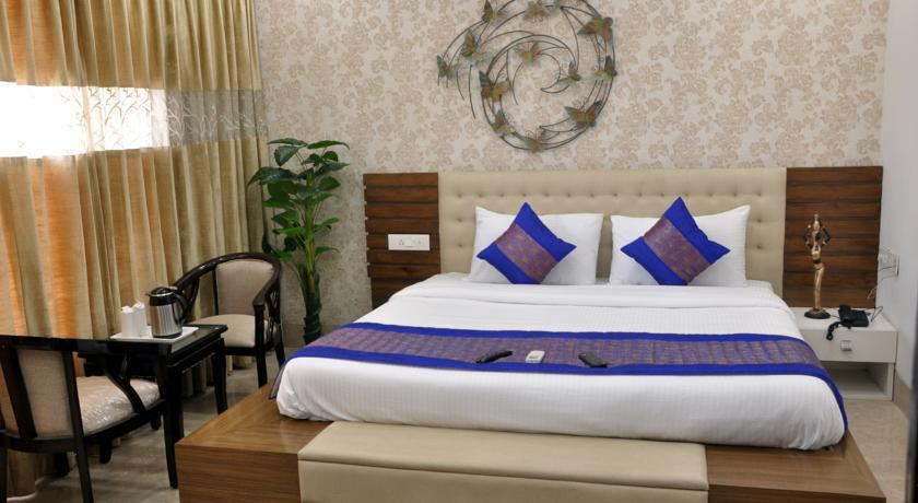 Gazebo Residency @ 9211911224  Our vision delivering a Amazing  service for the customer.best hotel near madanta hospital in Gurgaon Appartment near medanta hospital in gurgaon Guest house near medanta hospital in gurgaon hotel in sector 39 in gurgaon appartment in sector 39 guraon guest house in sector 39 gurgaon