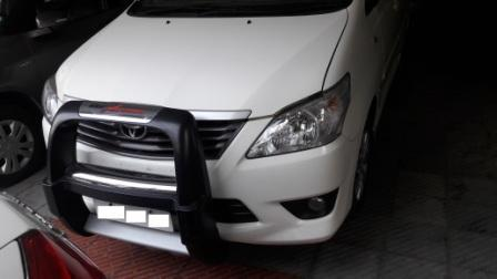 TOYOTA INNOVA 2.5G 8STR:MODEL 06/2012, KM 23176, COLOUR WHITE, FUEL DIESEL, PRICE 1400000 NEG.USED VEHICLE FOR SALE COMPLEAT SHOWROOM TRACK. - by Nani Used Cars, Hyderabad