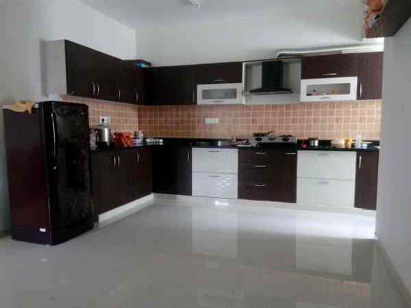 modular kitchen - L shape with 10 yrs warranty - by Vsquare Interior Design pvt ltd, Bangalore