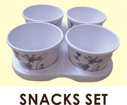 Four Jars with Lid and Tray - by Tintin Crockery, Faridabad