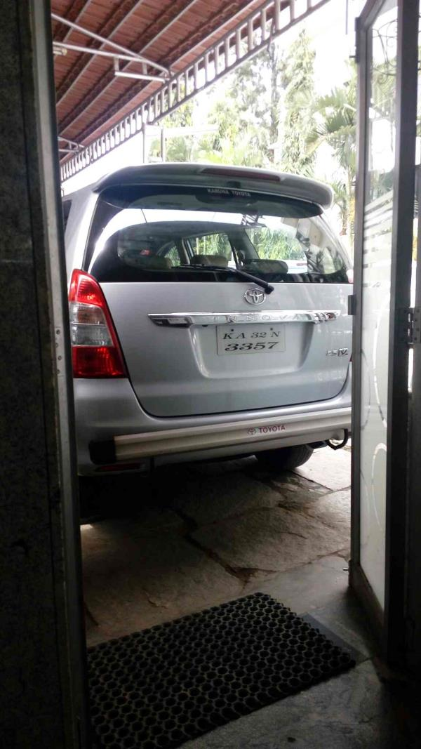 pre owned Innova in good condition