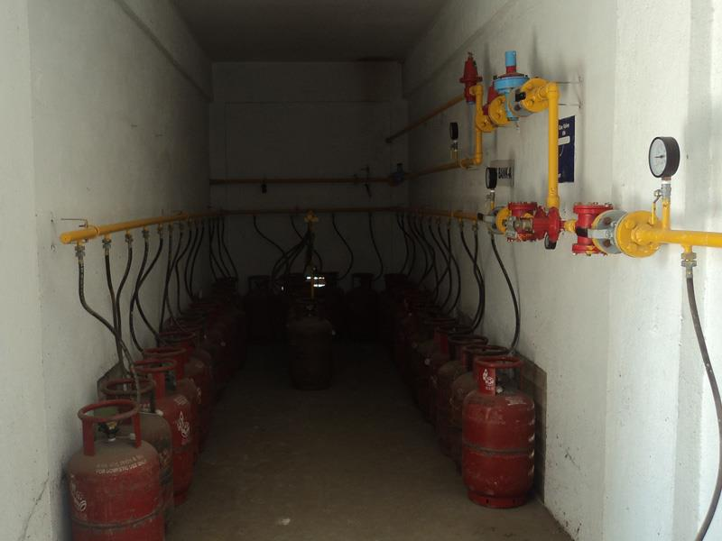 LPG installation: The purpose of LPG installation: is to provide uninterrupted supply of LPG to the customers through meters. This amounts to a great convenience to the customer. LPG installation: All the LPG cylinders are located in the cy - by Dolphin Gas Systems Pvt Ltd, Pune